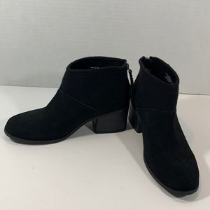Toms suede and fabric zip up boots size 6.5
